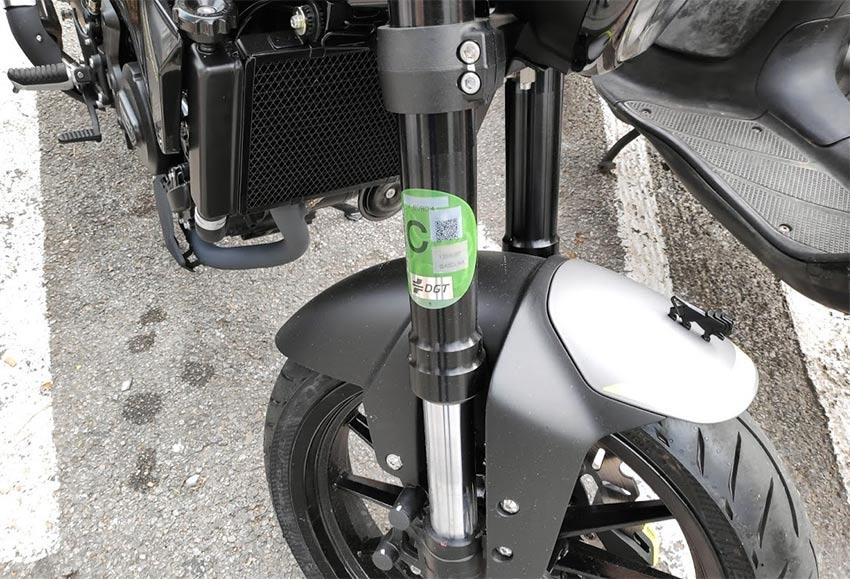 etiqueta ambiental DGT motos