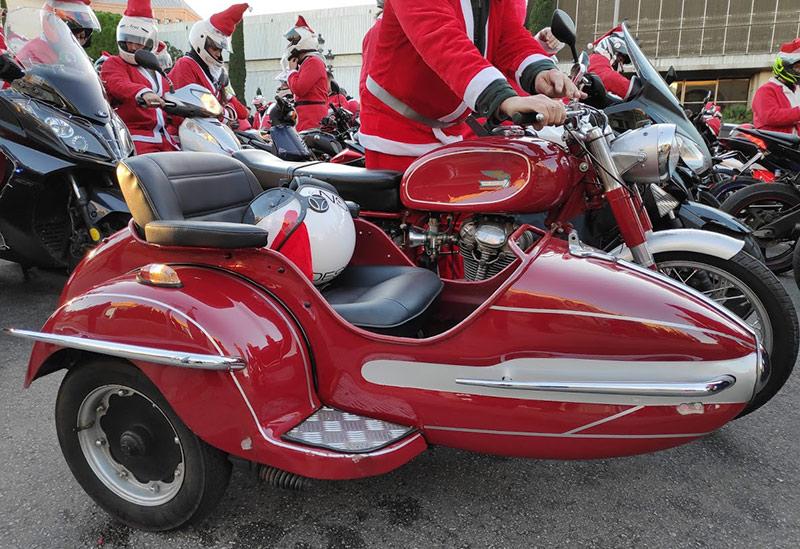 Sidecar Ducati en la Papanoelada motera Barcelona
